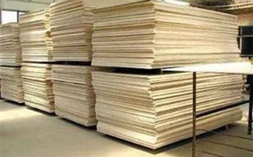 乌克兰将限制国内未加工木材的消费使用