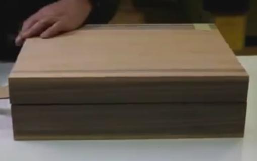 不多见的木工活, 老师傅制作一个手提木箱子, 这技术真棒!