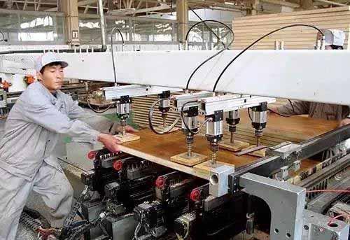 板式家具的钻孔工艺