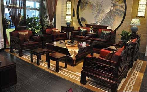 怎样选购黑酸枝家具?以及黑酸枝家具的保养方法